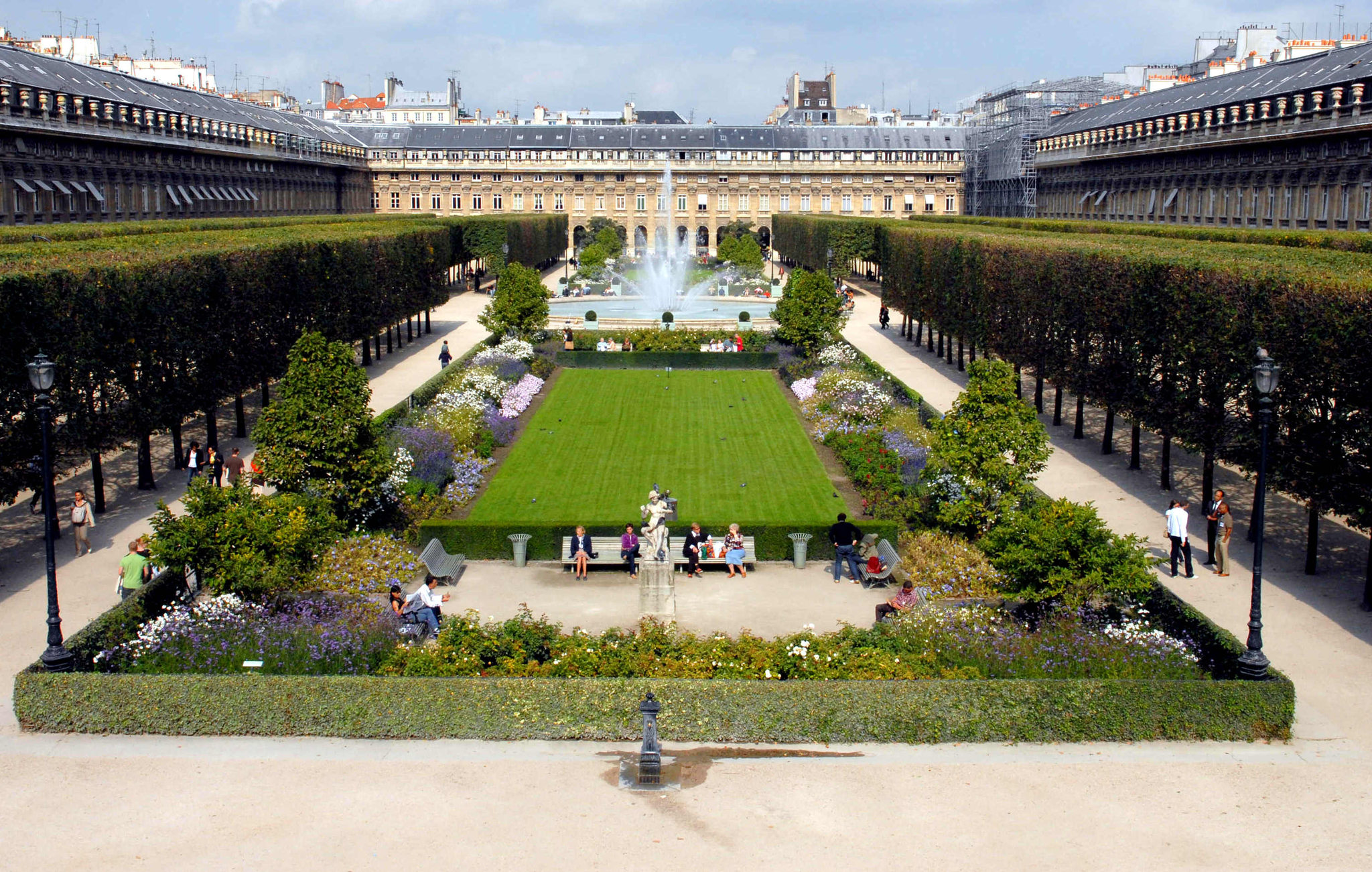 61/JARDIN PALAIS ROYALE/palais-royal-ete-paris-select.jpg